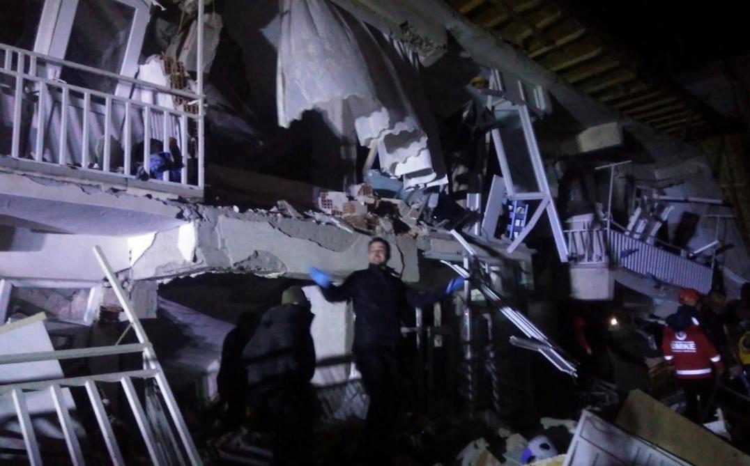 Tremblement de terre en Turquie : quatorze morts
