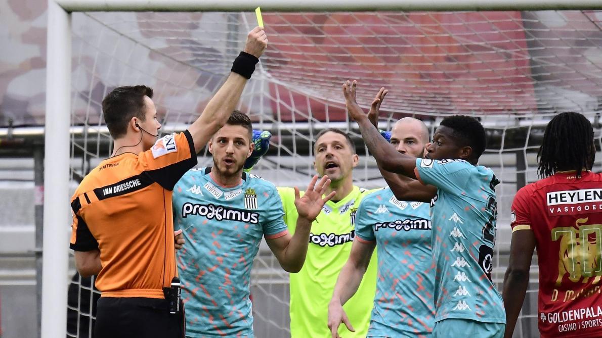 Polémique liée à l'arbitrage: il n'y avait finalement pas penalty pour l'Antwerp face au Sporting de Charleroi