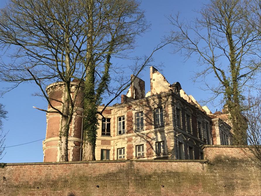 Le château de Dongelberg ravagé par un incendie: les dégâts sont importants (vidéos)