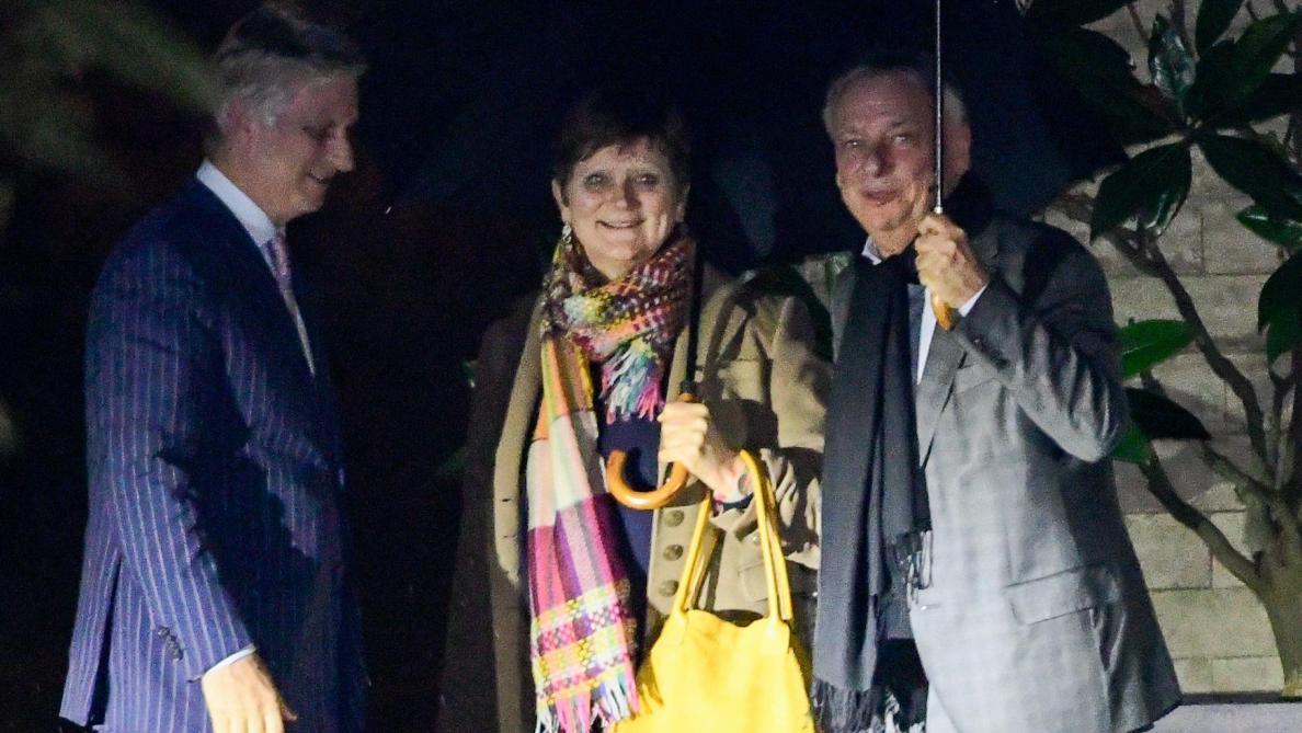 Laruelle et Dewael en mission royale: «Enfin une femme, rien de neuf, marre» (revue de presse)