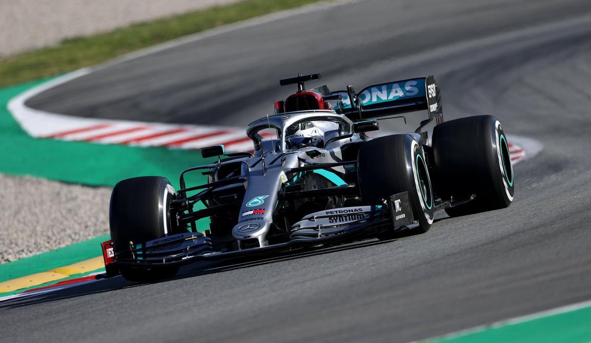 Formule 1: Mercedes teste un système innovant sur la direction de sa voiture à Barcelone