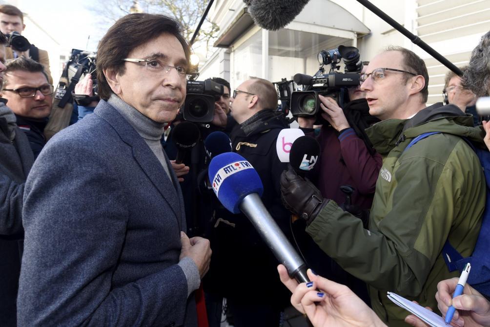 Coronavirus: pour Elio Di Rupo, «il faut prolonger le confinement»