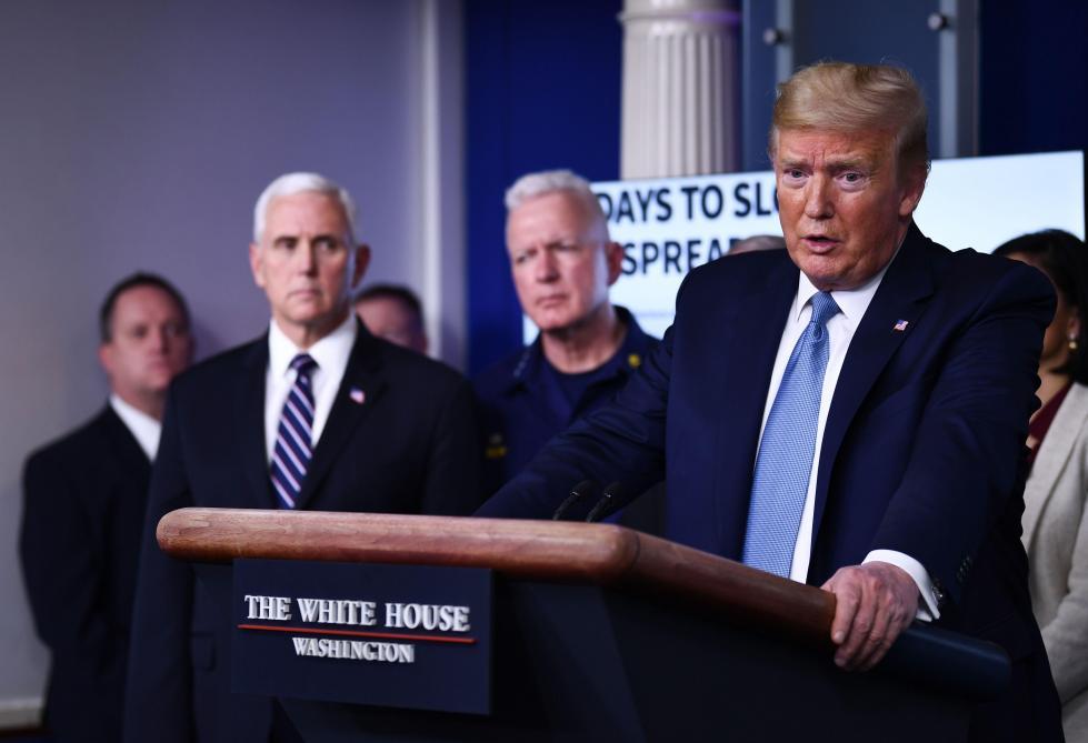 Trump défend l'usage de