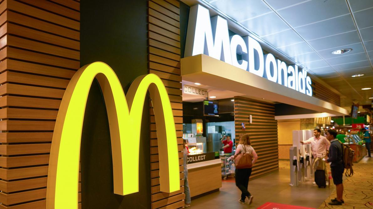 La réouverture d'un McDonald's en région parisienne provoque un embouteillage géant