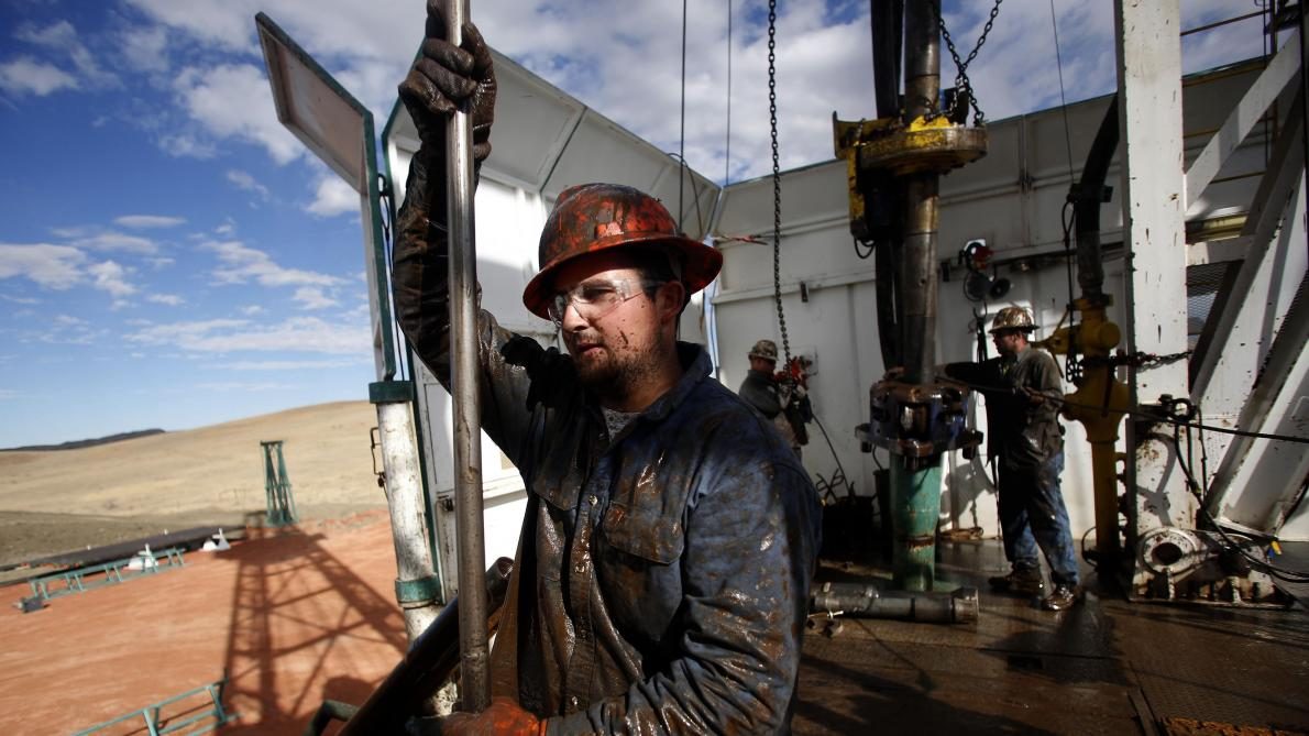 Le pétrole remonte timidement sur les marchés