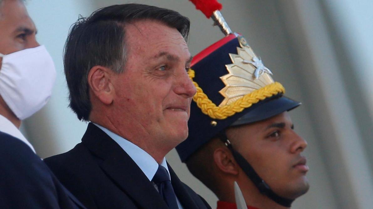Coronavirus: Jair Bolsonaro menace de retirer le Brésil de l'OMS