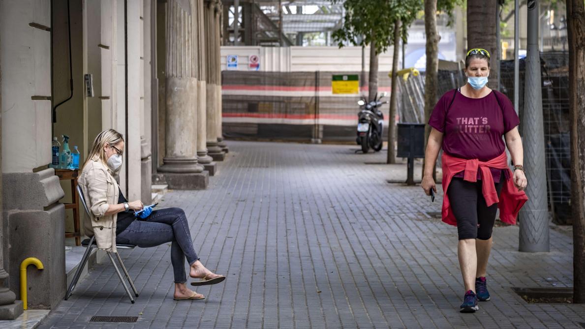 Covid-19 : retour du masque obligatoire en Catalogne