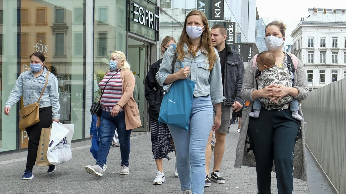 Coronavirus le nombre moyen d'infections s'élève désormais à 255 par jour