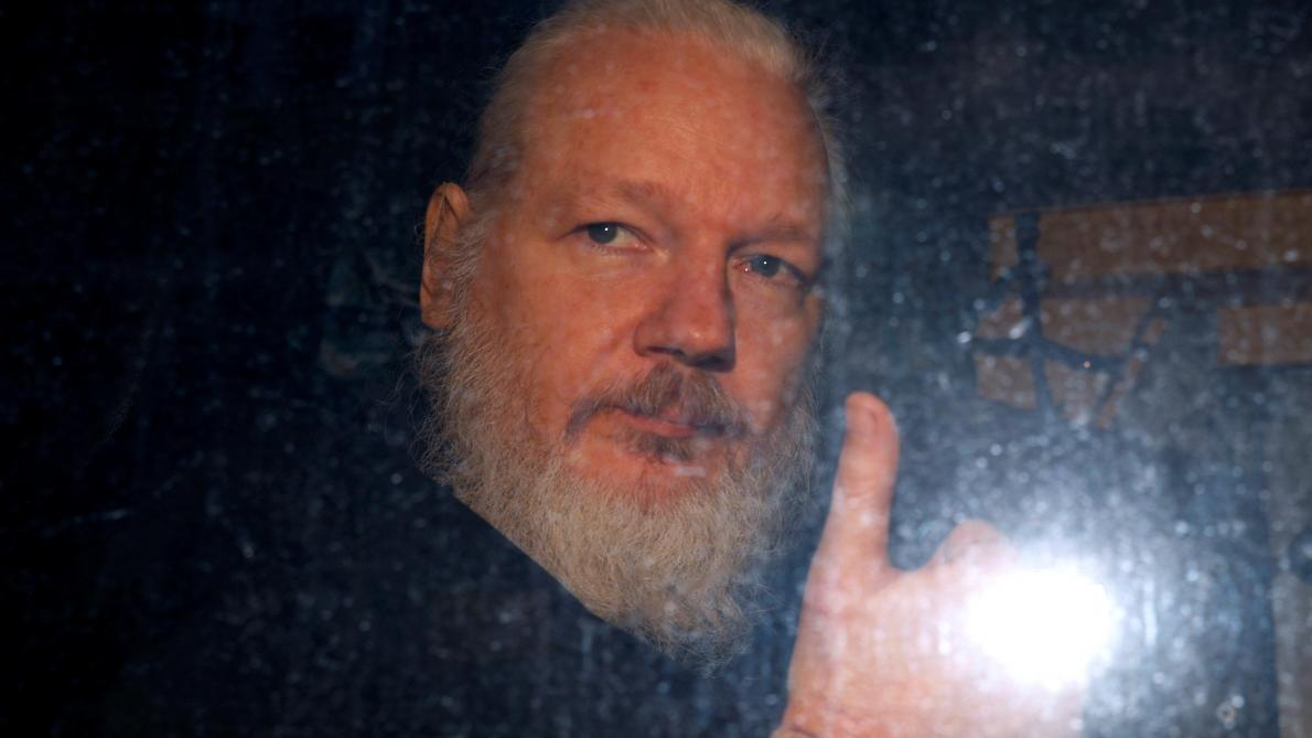 Julian Assange à l'époque de son arrestation, en avril 2019, à Londres. © Reuters.