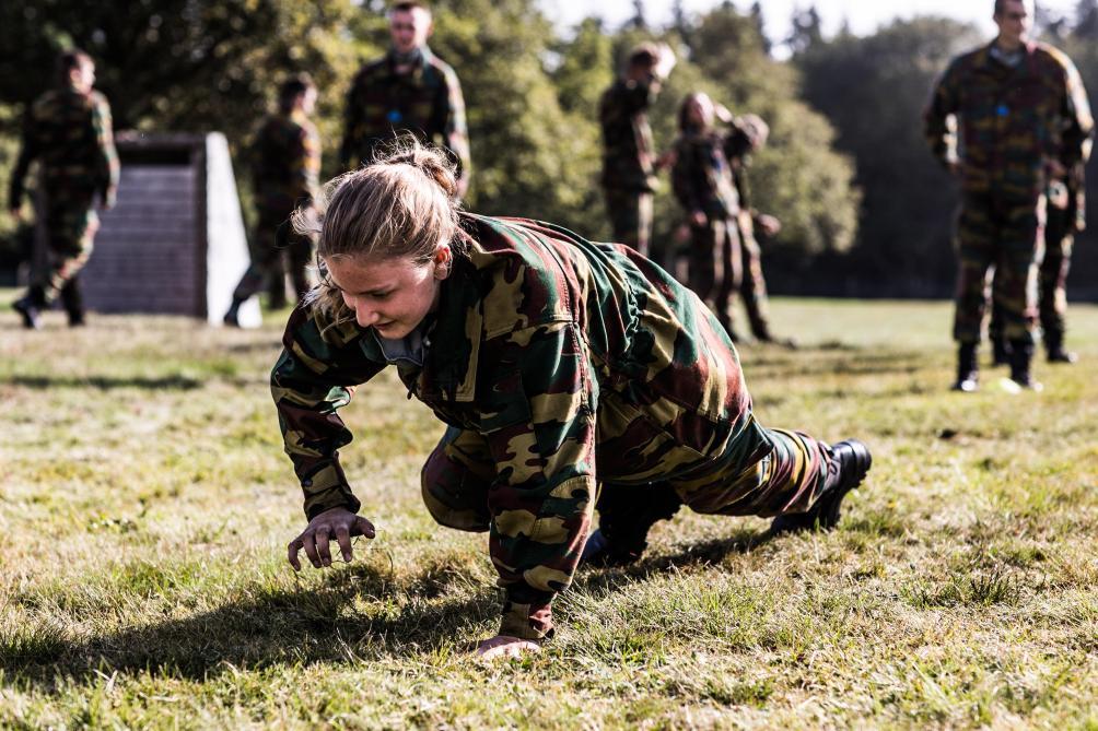 La princesse Élisabeth s'initie à la vie militaire en images
