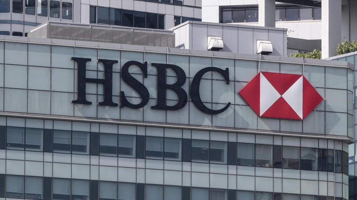 Bourse: Les banques plongent après une enquête sur le blanchiment