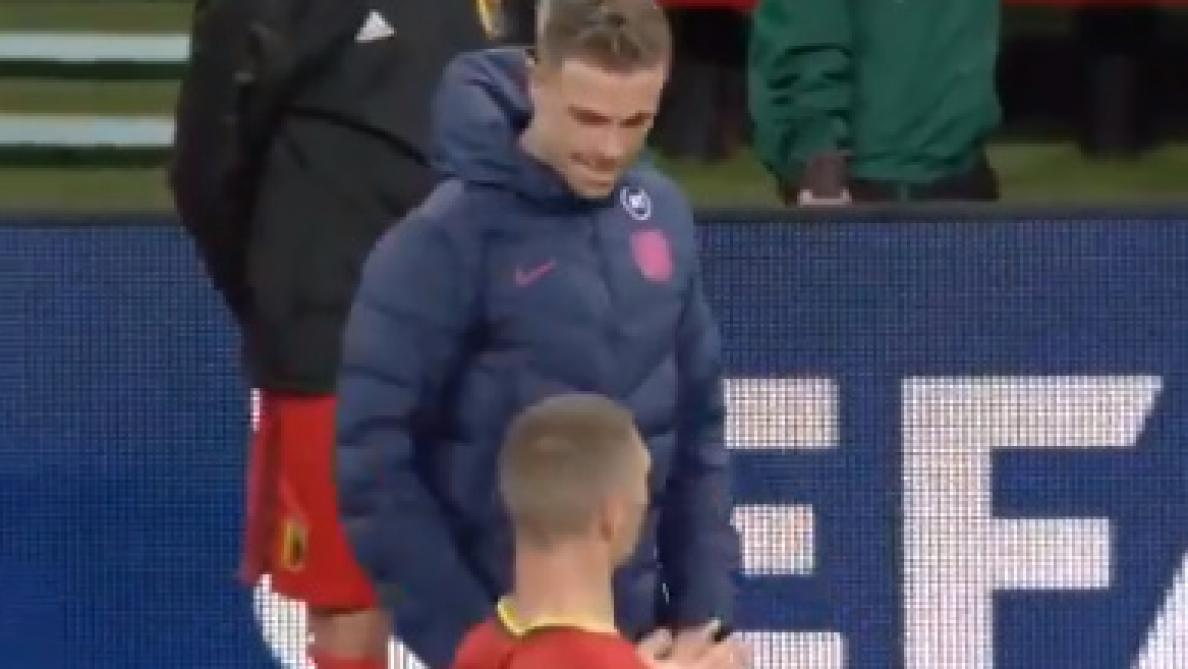 Thomas Meunier et Jordan Henderson rigolent du penalty accordé à l'Angleterre — Belgique