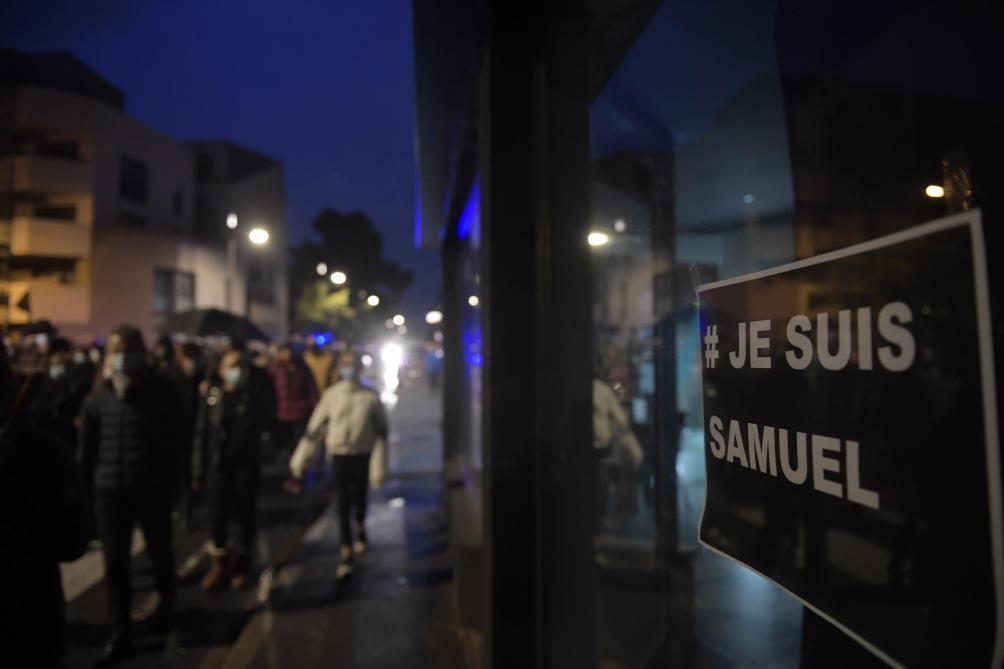 Professeur assassiné: hommages et marche blanche à Conflans-Sainte Honorine