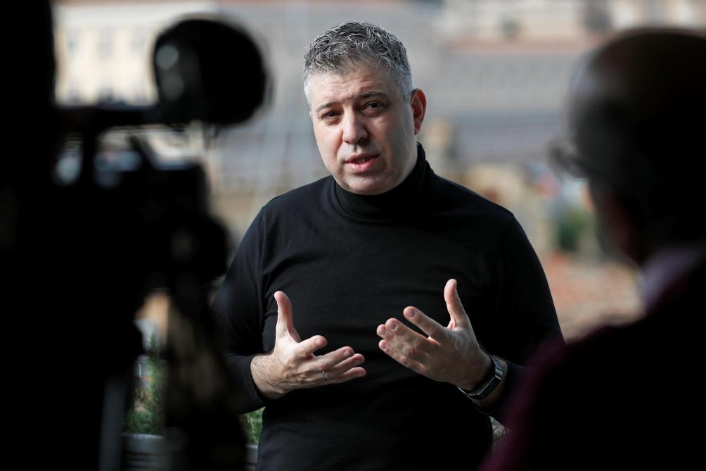 Evgeny Afineevsky réalisateur du documentaire Francesco