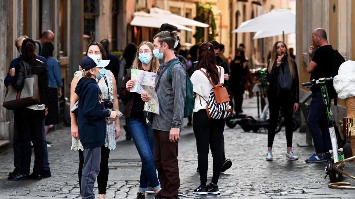 Malgré les protestations, l'Italie annonce de nouvelles restrictions — Coronavirus