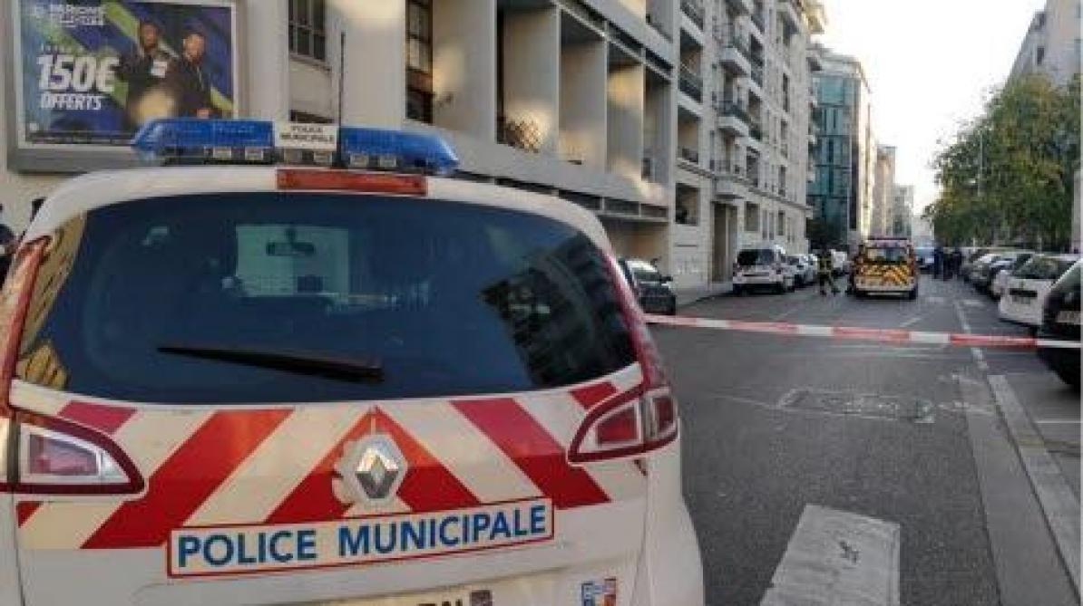 Un prêtre orthodoxe grièvement blessé par balle, l'auteur en fuite — Lyon