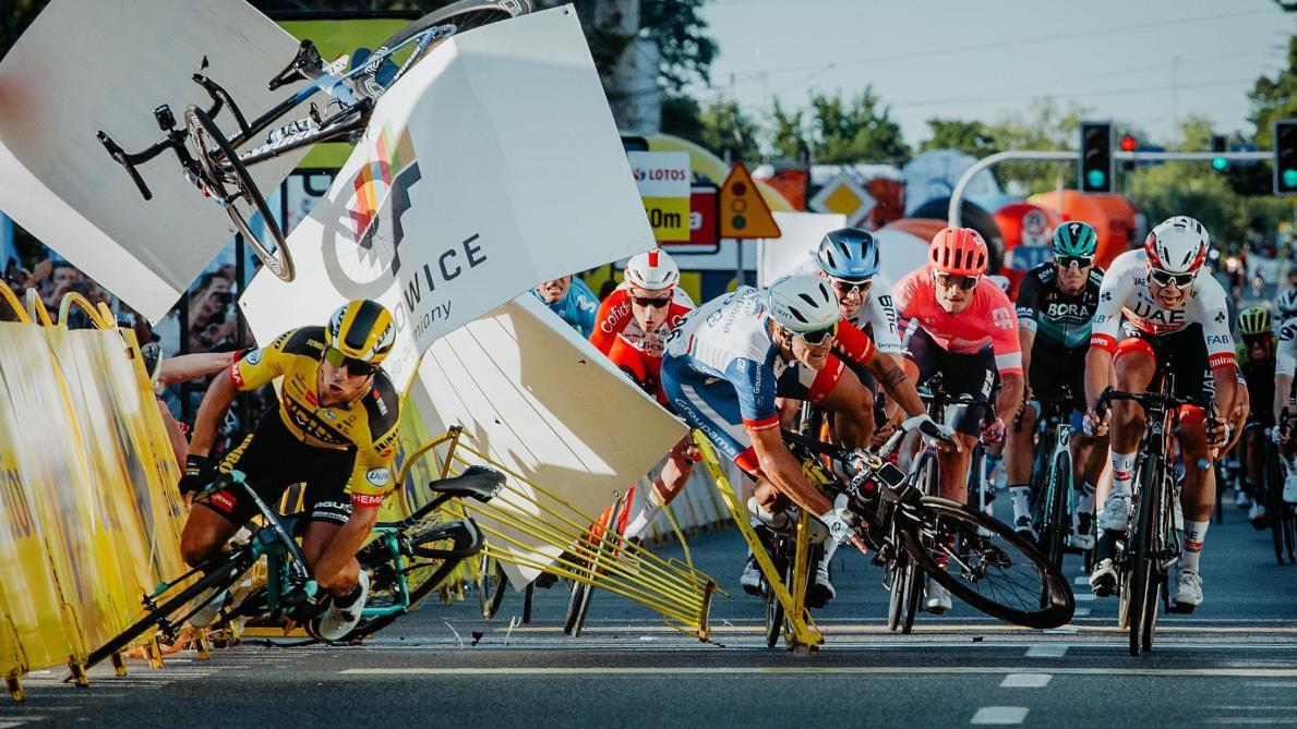 Cyclisme : Dylan Groenewegen suspendu neuf mois pour avoir fait chuter Fabio Jakobsen