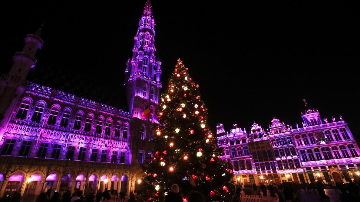Bruxelles Pas De Spectacle Son Et Lumiere A La Grand Place Le Soir