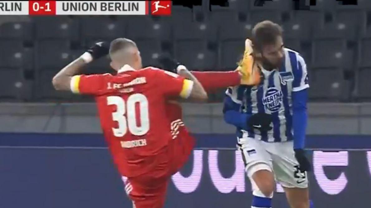 Allemagne: la vilaine faute de Robert Andrich sur Lucas Tousart lors du derby de Berlin (vidéo)