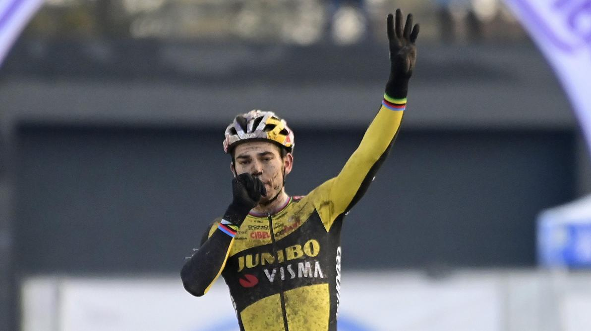 Wout van Aert a traversé le championnat national en solitaire. @Photo News