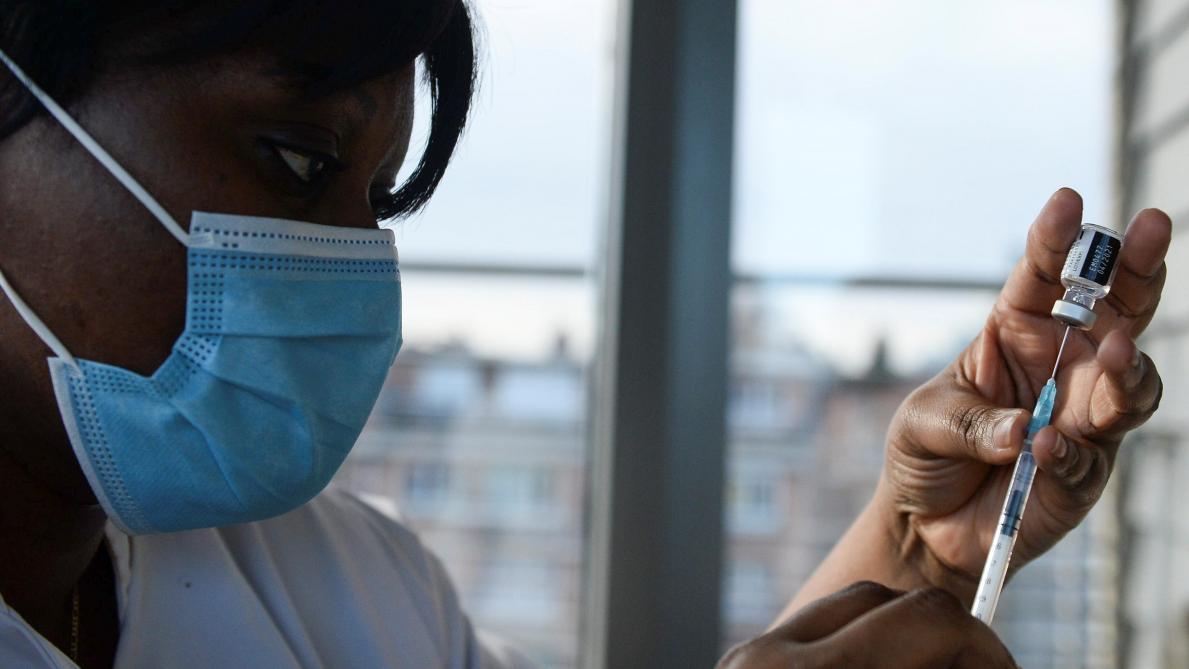 La Suisse donne son feu vert au vaccin de Moderna — Virus
