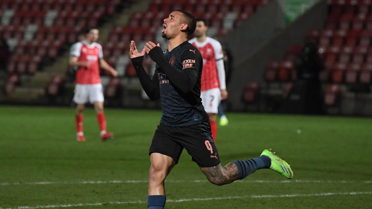 FA Cup: Manchester City émerge dans les dix dernières minutes contre Cheltenham (1-3, vidéos)