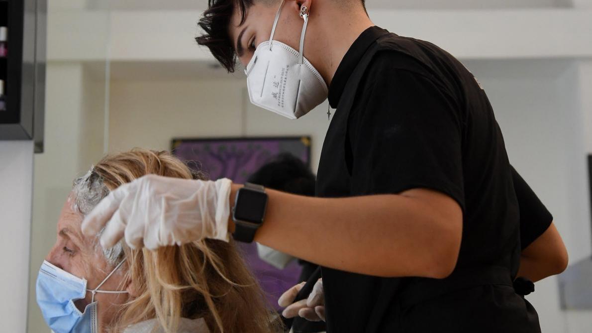 Coronavirus: un arrêté publié au Moniteur belge précise les conditions de réouverture des coiffeurs et barbiers - Le Soir