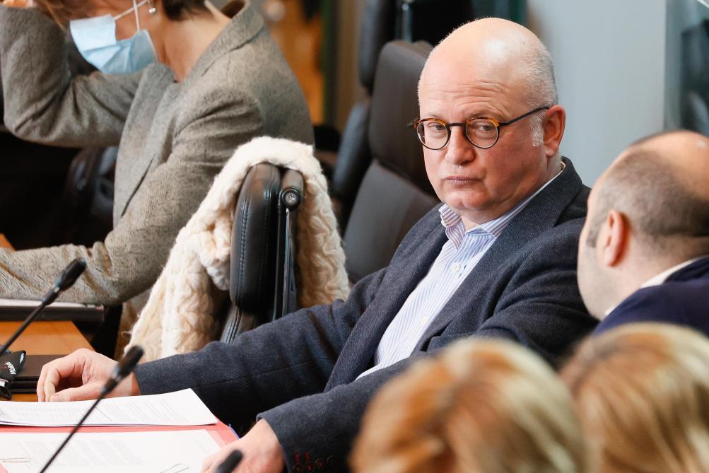La Wallonie n'a pas le droit d'aider les clubs sportifs - Le Soir