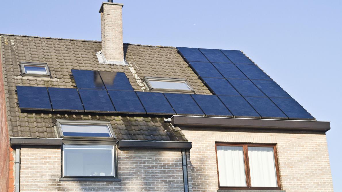 Panneaux solaires: pas de TVA pour les particuliers qui revendent des surplus d'énergie - Le Soir