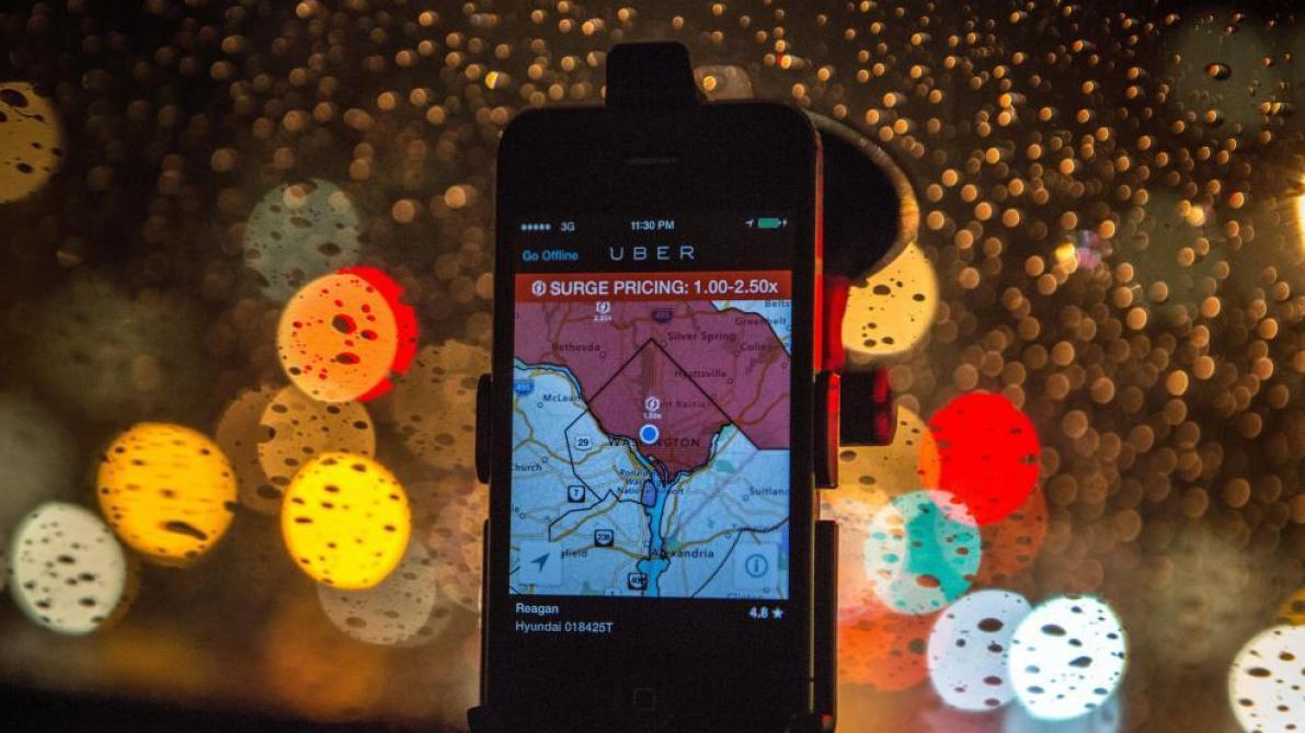 Interdiction des smartphones par les chauffeurs Uber: le gouvernement bruxellois s'empare du dossier - Le Soir