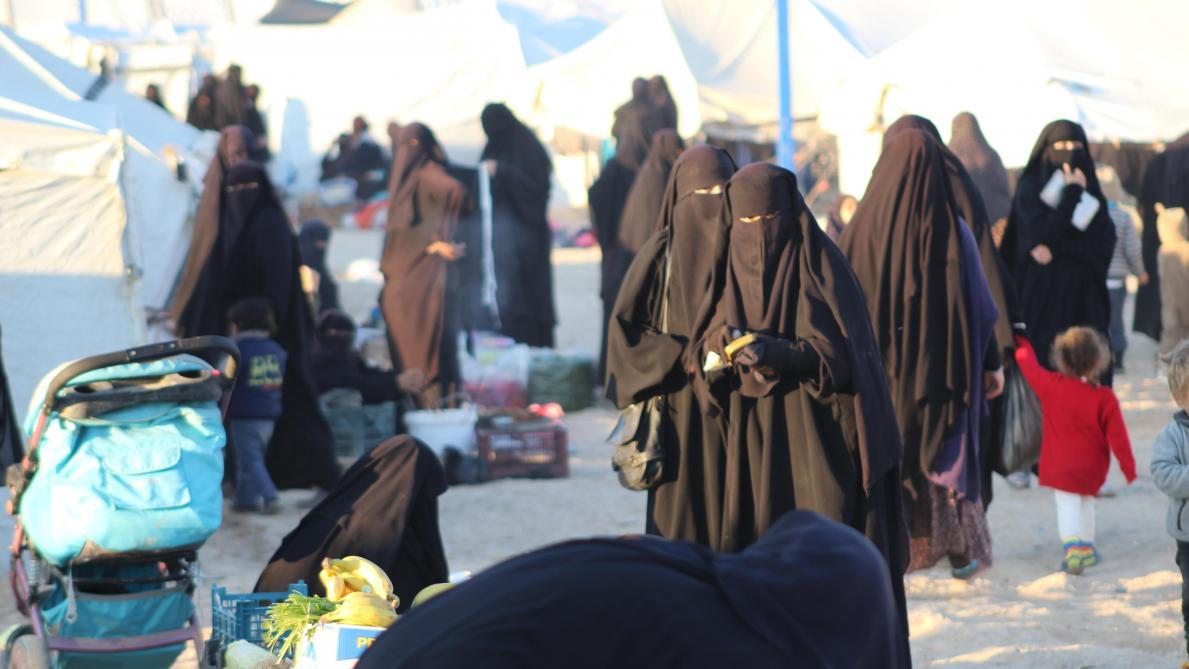 Les femmes belges dans le camp de réfugiés d'Al-Hol, en Syrie, introuvables - Le Soir
