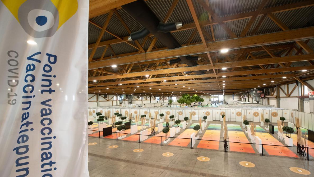 Cafouillages au centre de vaccination du Heysel: les explications du directeur de Brussels Expo - Le Soir
