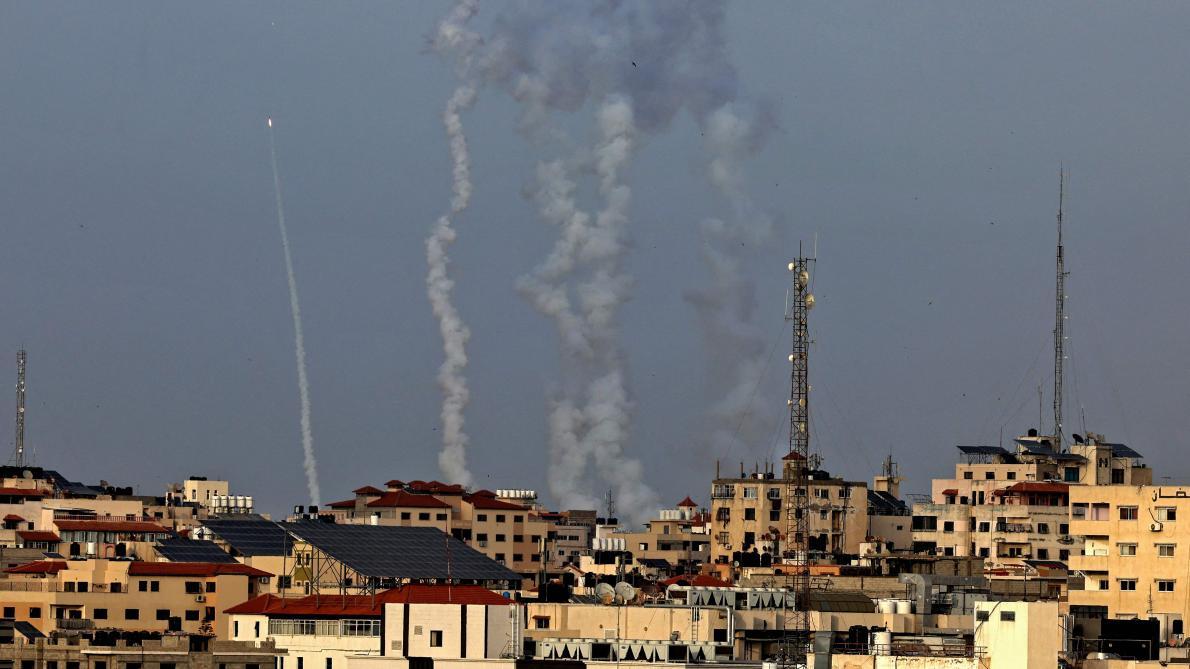 PHOTOS| Plus de 100 roquettes tirées lundi depuis Gaza vers Israël