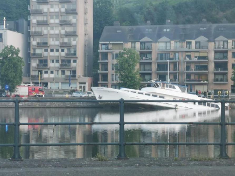 """le bateau touristique """"Wallonia"""" basé à Huy a coulé B9727330221Z.1_20210611102511_000+GAHIA7BKE.1-0"""