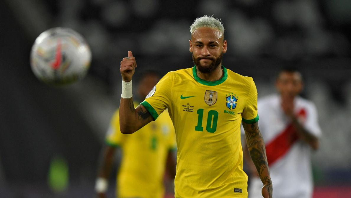 Neymar in demonstration with Brazil in Copa America: he approaches Pelé's record