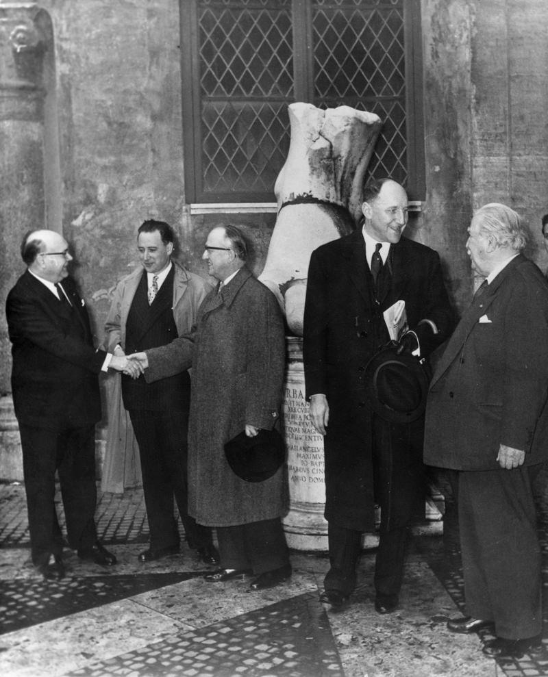 Dans les coulisses de la signature du trait de rome le - Cabinet du ministre des affaires etrangeres ...
