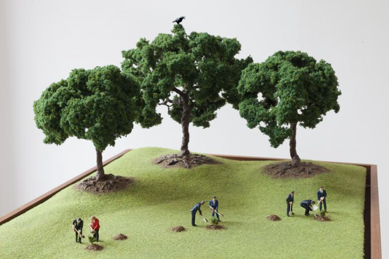Olivia Hernaïz, « The Pathfinders, the Hand and the Trees », diorama, médiums mixtes et audio, 2019, 3.000 euros.