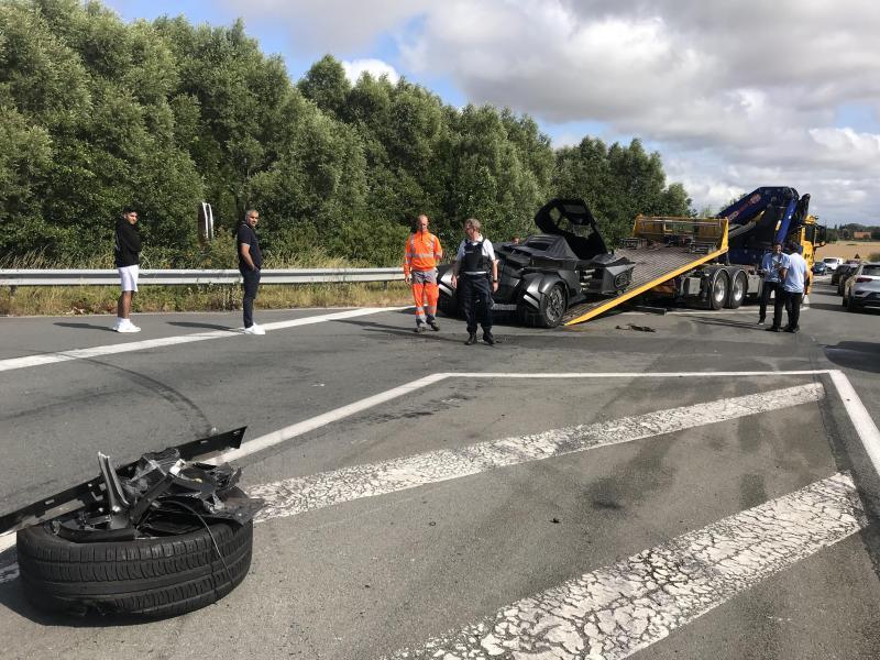 Une batmobile victime d'un accident en France (photos)