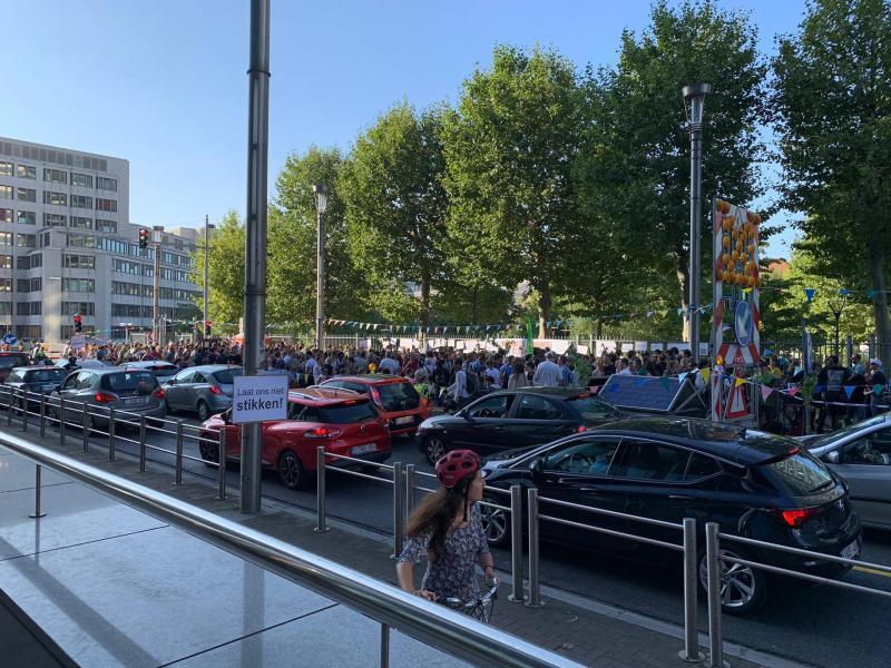 Bruxelles: un afterwork organisé rue de la Loi en faveur d'une meilleure qualité de l'air (photos)