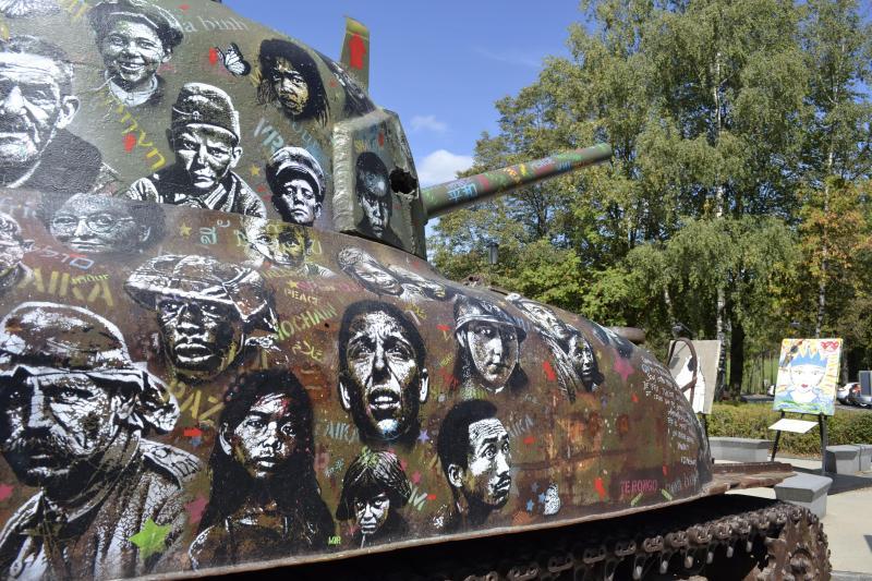 Bastogne: un char Sherman transformé en œuvre d'art