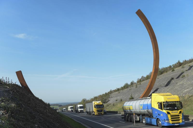 L'oeuvre «Arc majeur» officiellement inaugurée sur l'E411 à Rochefort (photos et vidéo)
