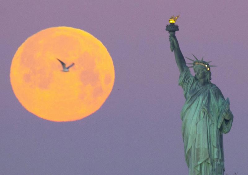La «pleine lune froide», la dernière de l'année visible ce jeudi (photos et vidéos)