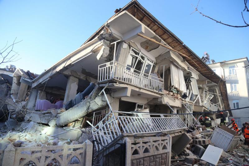 Séisme en Turquie: au moins 21 morts et plus d'un millier de blessés