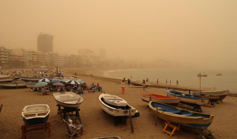 Chaos dans les îles Canaries (vidéos) — Tempête de sable