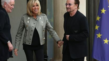 Brigitte Macron et Bono © Photo News