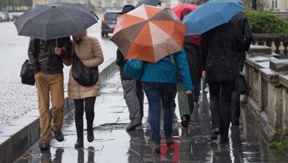 L'IRM lance un avertissement jaune aux précipitations, de fortes rafales attendues: les prévisions météo région par région