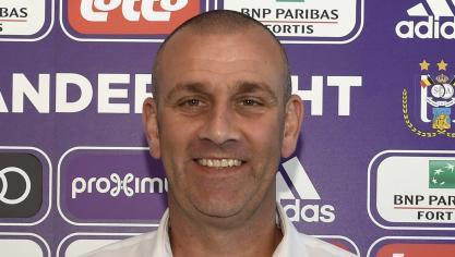 Qui est Simon Davies, le nouveau T1 du Sporting d'Anderlecht?