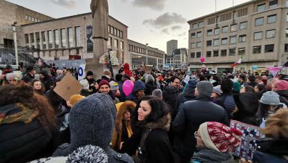 Les sardines sont à Bruxelles: «Non au fascisme, vive l'Europe» (photos et vidéos)