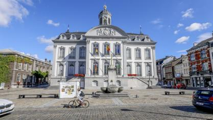 Crise politique à Verviers: le CDH signe à titre conservatoire une motion de méfiance collective