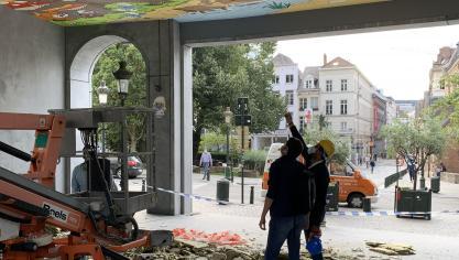 Bruxelles: la fresque des Schtroumpfs de la Gare Centrale s'est effondrée (photos)